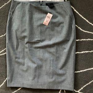 Ann taylor NWT grey ruffle pencil skirt 4p